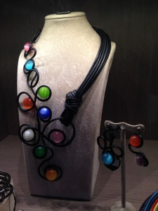 multicolr beads: collier e orecchini