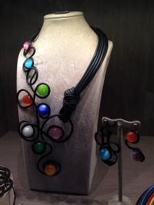 multicolr beads: collier e orecchini