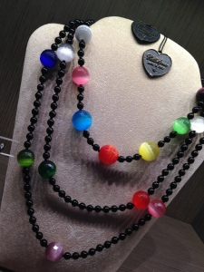 collier multicolor beads