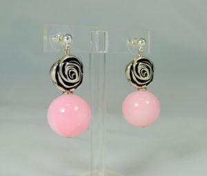 Orecchini rosellina argento e sfera plexi  28) Rosa