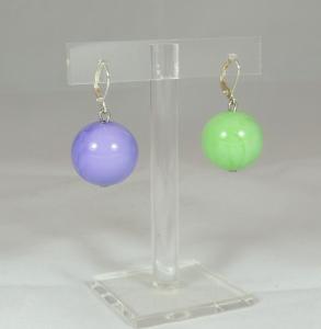 Orecchini sfera liscia bicolore: delicato l'accostamento  lilla/verde menta