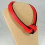 Collier Nodo  52) Rosso/Nero  (vista laterale)