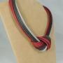 Collier Nodo - 93) Grigio/Rubino  -  vista laterale