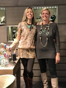 """Raffy e Sabri indossano le nuove creazioni della collezione """"Ethno Chic"""" in turchese e testa di moro."""