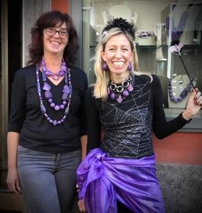 Sandra e Raffy presentano una delle collezioni ispirate ad Halloween, nel colore più misterioso e affascinante: il viola!