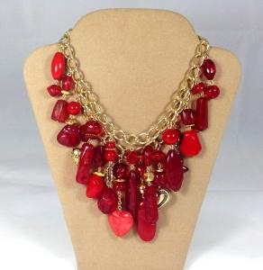 Collana  a due fili di catena  con ciondoli rossi e oro