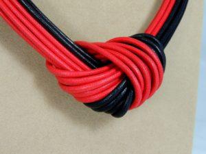 Collier Nodo 52) Rosso/Nero - particolare