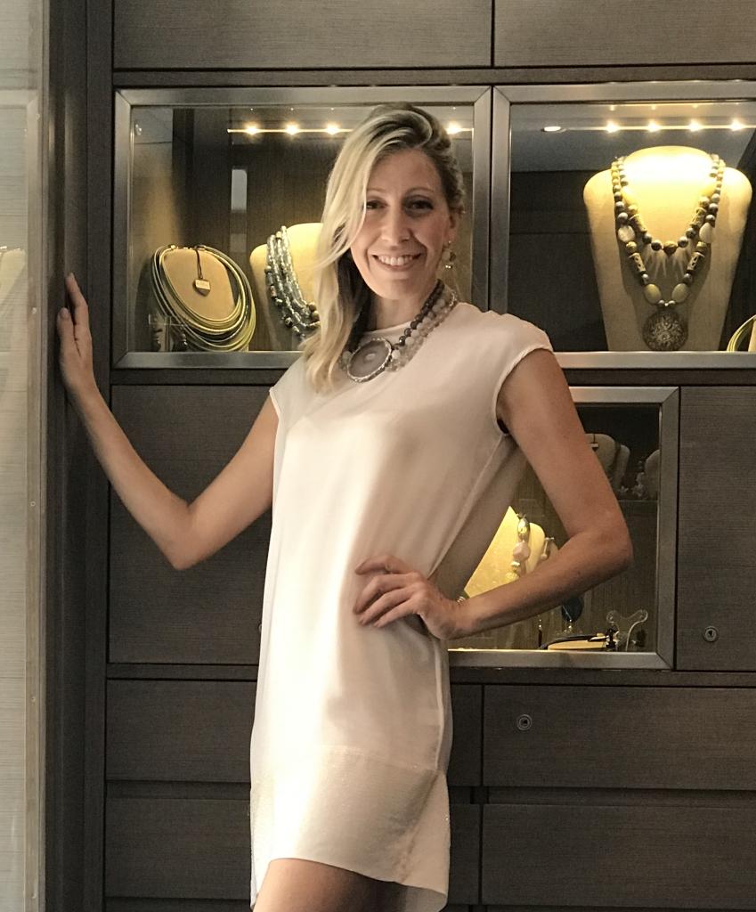 """Eleganza senza tempo, questo è """"Elegance Eternelle"""", scopri la collezione in negozio."""