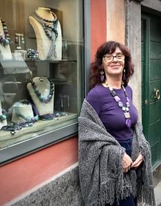 """Sandra presenta la nuova Capsule Collection """"Unconventional Grey"""" Base grigio con un tocco di viola e verde marino... un abbinamento insolito ed originale, eppure estremamente versatile su tantissimi look."""
