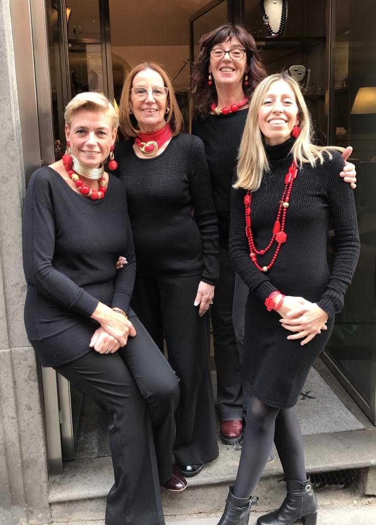 Cillabijoux's team is in total red look!!!  Perché se non hai qualcosa di rosso, non è Natale!
