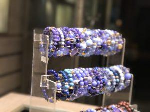 Anche i nostri bracciali si tingono di blu! Sempre a 14€ cad.