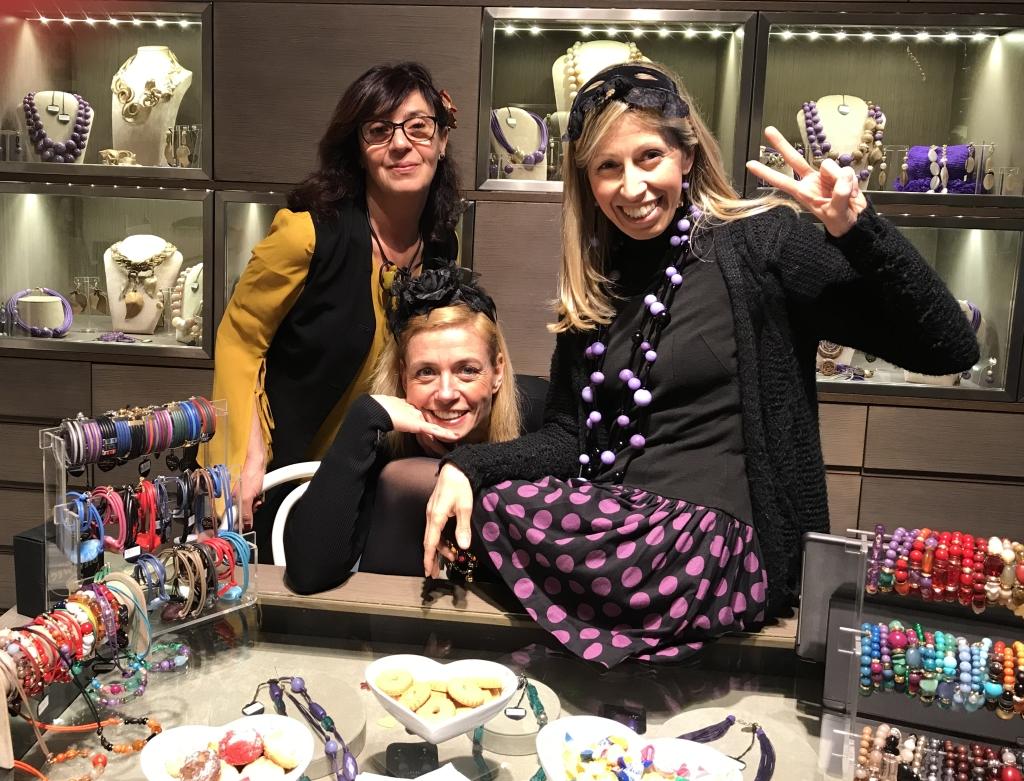Sandra, Sabrina e Raffaella vi aspettano venerdì prossimo!